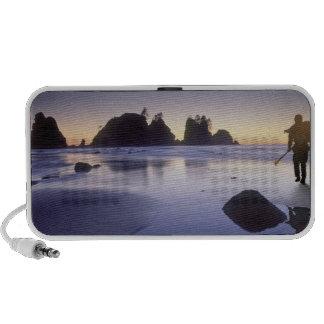 Montaje del kajak que lleva del hombre playa de S Notebook Altavoces