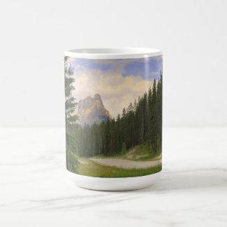 Montaña Banff del castillo Tazas