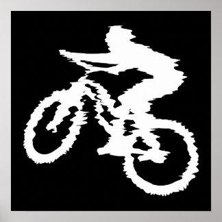 Montaña Biking rápidamente Posters