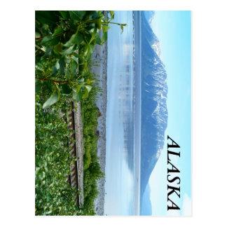 Montaña de Alaska a lo largo del brazo de Tarjetas Postales