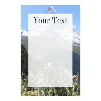 Montaña de Cervino en papel de escribir de la prim Papeleria