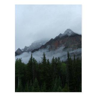 Montaña de la nube tarjeta postal