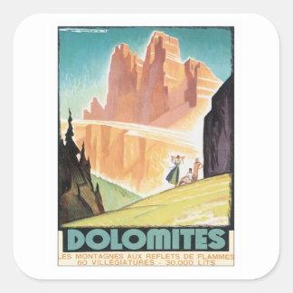 Montaña de las dolomías del vintage pegatina cuadrada