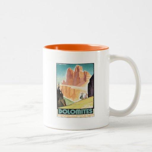 Montaña de las dolomías del vintage taza dos tonos