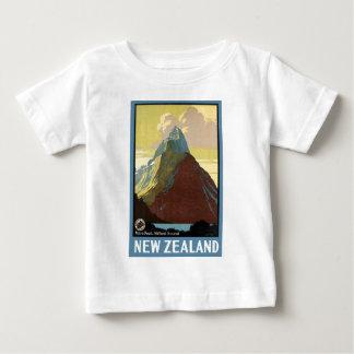 Montaña de Milford Sound Nueva Zelanda T Shirt