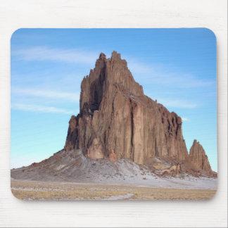 Montaña de Shiprock, New México Alfombrilla De Ratones