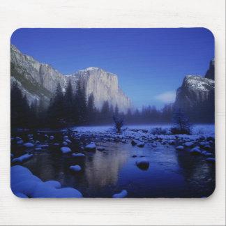Montaña del EL Capitan, parque nacional de Yosemit Alfombrilla De Ratones