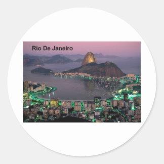 Montaña del pan de azúcar del Brasil Río de Pegatina Redonda
