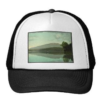 """Montaña del signo """"&"""" en el lago redondo (Saranac  Gorras"""