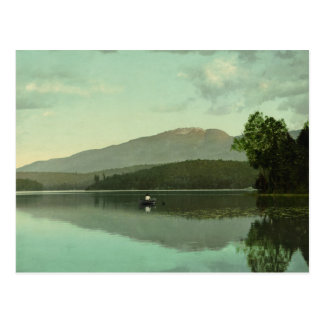 """Montaña del signo """"&"""" en el lago redondo (Saranac Tarjeta Postal"""