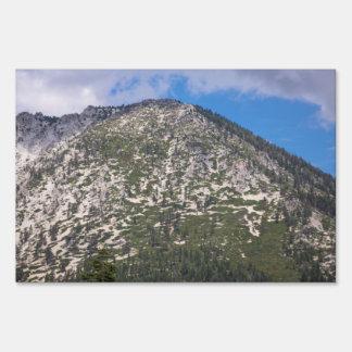 Montaña del sur de la cascada del lago Tahoe Señales