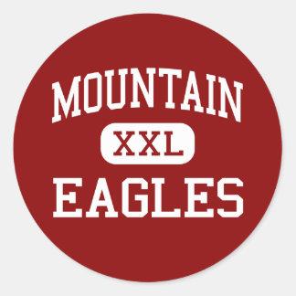Montaña - Eagles - alta - punta de flecha del lago Pegatina Redonda
