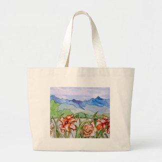 Montaña floral - arte de CricketDiane Bolsa Tela Grande