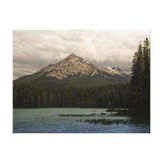 Montaña majestuosa impresion de lienzo