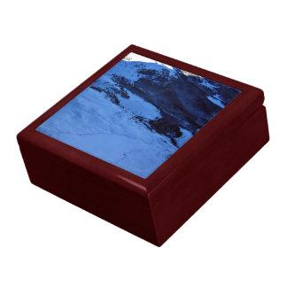 Montaña Nevado en un día soleado Caja De Recuerdo