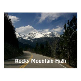 Montaña rocosa alta tarjeta postal