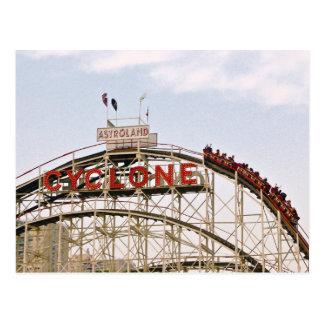 Montaña rusa del ciclón - Coney Island, postal