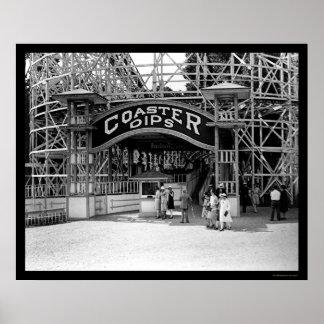 Montaña rusa en el parque 1928 del eco de la cañad póster