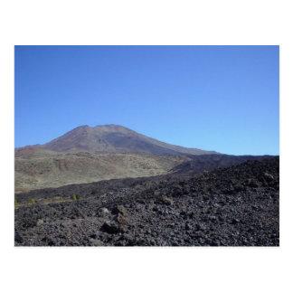 Montaña volcánica postales