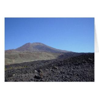Montaña volcánica tarjeta de felicitación