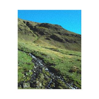 Montaña y río (los Pirineos) Lona Envuelta Para Galerias