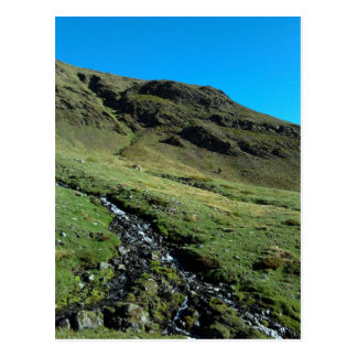Montaña y río (los Pirineos) Postales