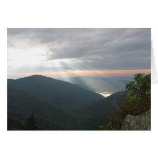 Montañas ahumadas 002 tarjeta de felicitación