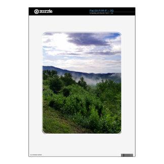 Montañas ahumadas en Great Smoky Mountains Calcomanía Para El iPad