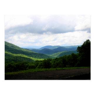 Montañas ahumadas postales