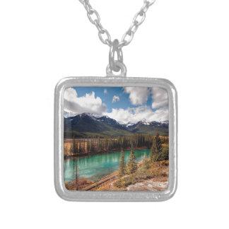 Montañas azules de la laguna del río de la natural grimpola personalizada