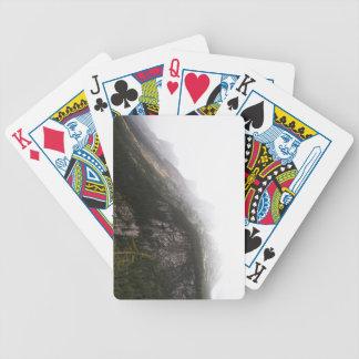 Montañas brumosas baraja cartas de poker