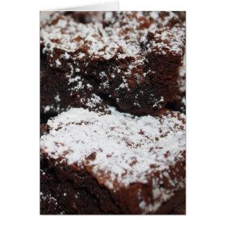 Montañas capsuladas nieve del chocolate tarjeta de felicitación