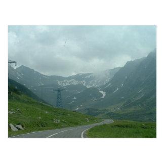 Montañas cárpatas postal
