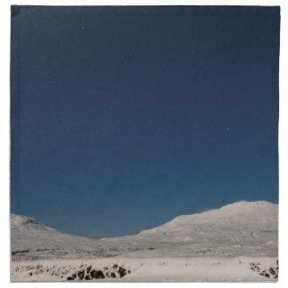 Montañas con nieve en Islandia Servilleta Imprimida