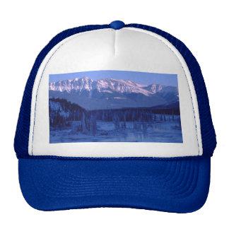Montañas congeladas Banff Alberta Nevado del río Gorras De Camionero