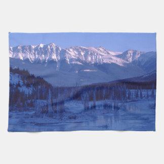 Montañas congeladas Banff Alberta Nevado del río Toalla De Mano