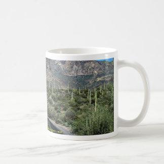 Montañas de Ajo, monumento nacional del cactus del Taza Básica Blanca