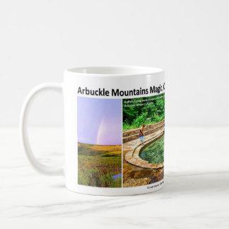 Montañas de Arbuckle I - magia de un arco iris, Taza Clásica