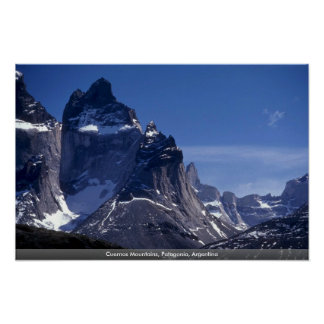 Montañas de Cuernos Patagonia la Argentina Poster