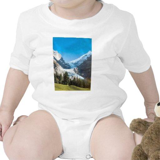 Montañas de Grindelwald en verano Trajes De Bebé