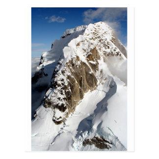 Montañas de la gama de Alaska, los E.E.U.U. del Postal