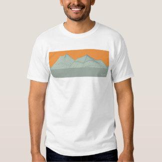 Montañas de la malla remeras