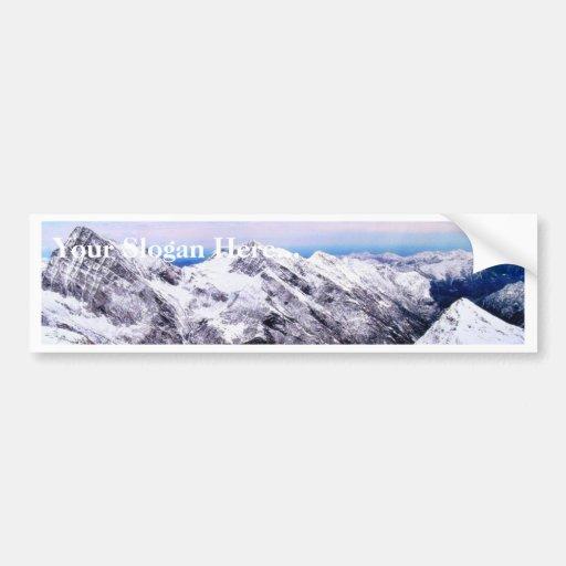 Montañas de la montaña cubiertas con nieve pegatina para auto