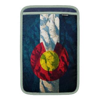Montañas de la roca de la bandera de Colorado Fundas MacBook