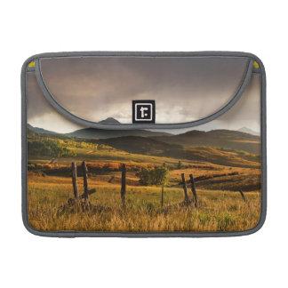 Montañas de los E.E.U.U., Colorado, San Juan Funda Macbook Pro