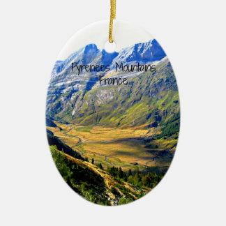 Montañas de los Pirineos, Francia Adorno Navideño Ovalado De Cerámica