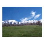 Montañas de rubíes en abril postal
