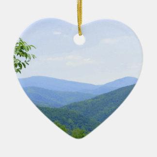 Montañas de Shenandoah Adorno Navideño De Cerámica En Forma De Corazón
