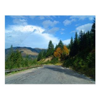 Montañas del Moldavia en otoño Tarjeta Postal