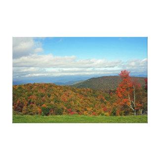 Montañas del otoño lona estirada galerías